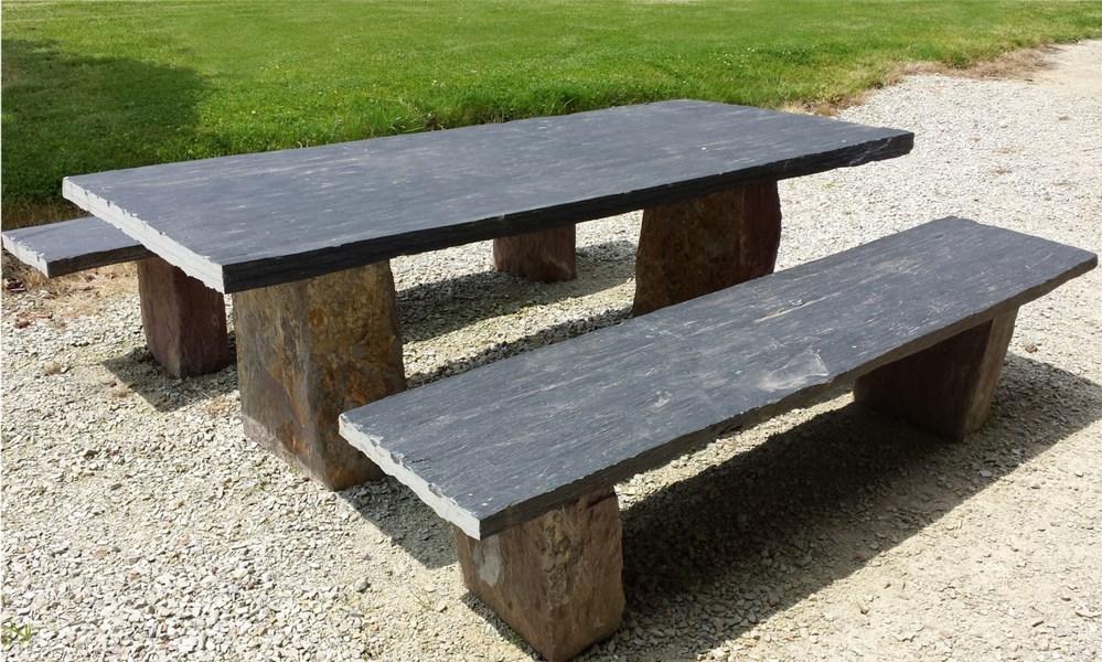 table et bancs schiste bleu noir pieds schiste mauve. Black Bedroom Furniture Sets. Home Design Ideas